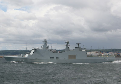 The Command & Support Ship ESBERN SNARE