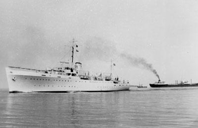GALATHEA forlader København 15. oktober  1950